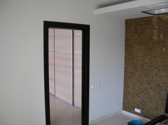 Декорирование дверного проема после установки двери