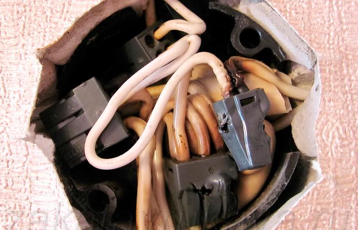Достоинства и недостатки алюминиевой электропроводки