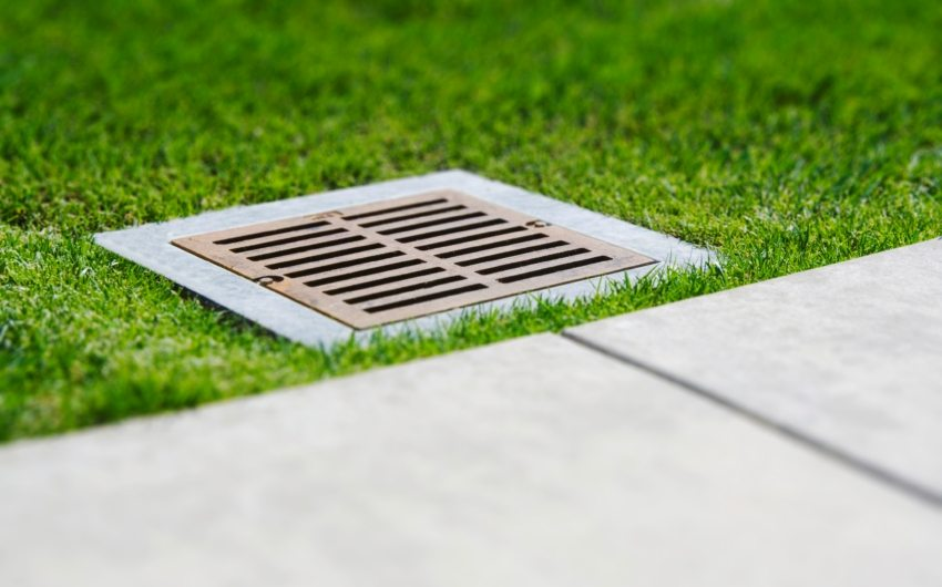 Дождеприемники для ливневой канализации: назначение, виды и правильный монтаж