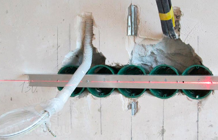 Как правильно выбрать и установить подрозетник в конструкцию из гипсокартона