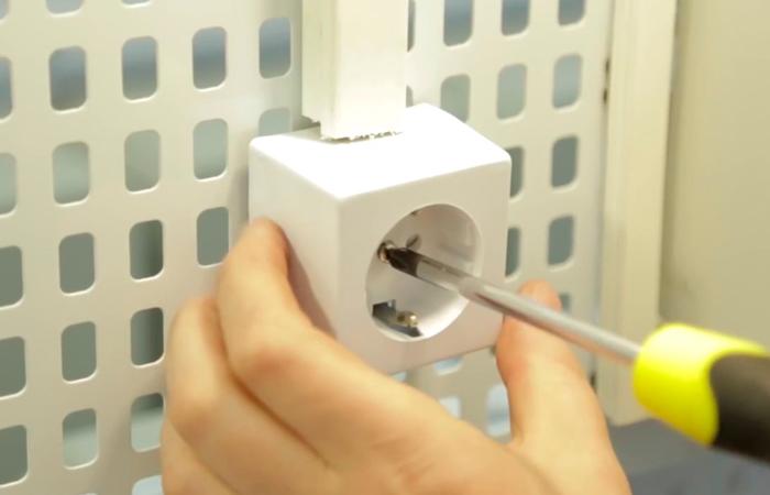 Как своими руками починить электрическую розетку