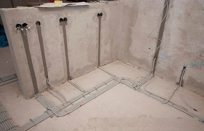 Как выполняется замена электропроводки в помещениях