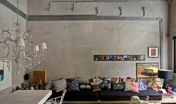 Креативное использование проводки снаружи стены в стиле ретро
