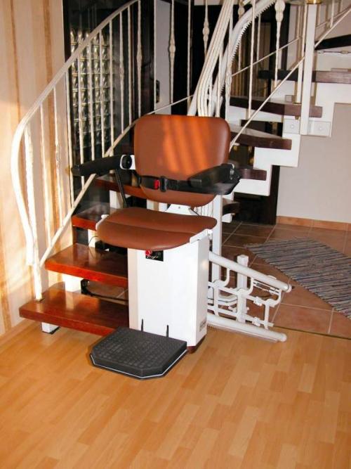 Лестничные лифты для дома и улицы