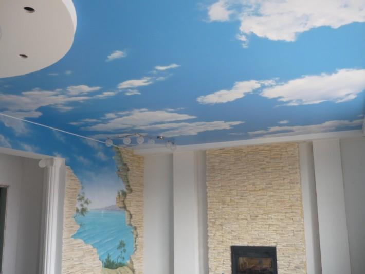 Поклейка обоев для потолка своими руками