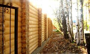 Строительство деревянных заборов из бруса