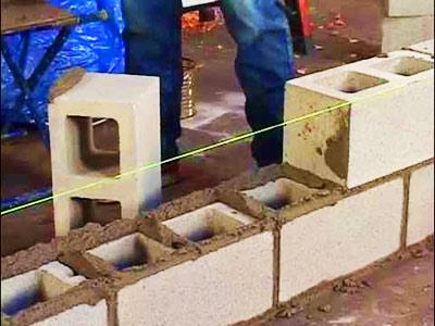 Строительство забора из французского камня