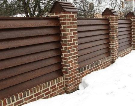 Варианты дизайна деревянного забора