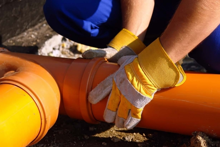Водоснабжение частного дома из колодца: особенности монтажа системы