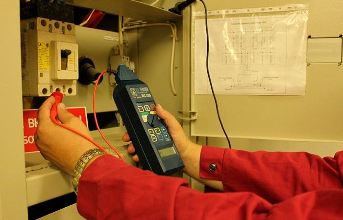 Зачем измерять сопротивление изоляции кабеля