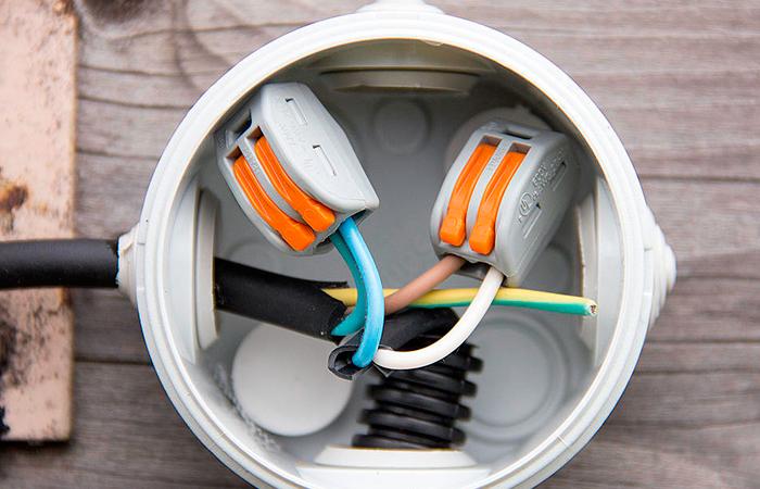 Зачем нужна распределительная коробка для электропроводки?